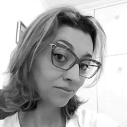 Dra. Camilla Pereira Alves